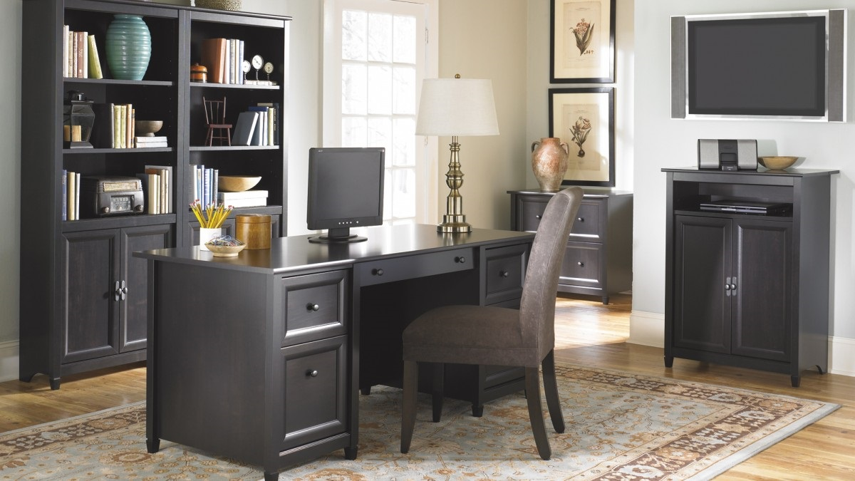 Black_Computer_Desk_with_Hutch_with_Drawers